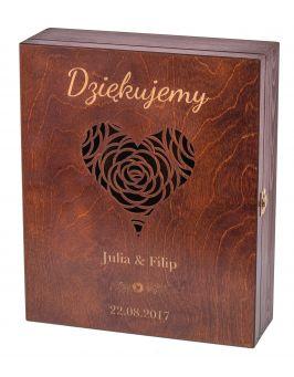 Pudełko na trzy wina Carmen III z grawerem - orzech