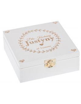 Białe pudełko 16x16 z grawerem WALENTYNKI