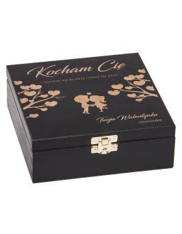 Czarne pudełko z grawerem na walentynki